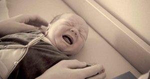 El llanto del bebé: ¿si lo tengo mucho en brazos lo estoy malcriando?